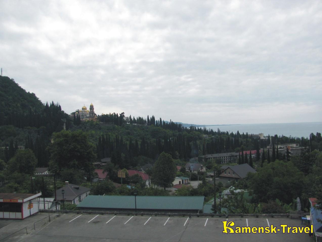Вид с новоафонской пещеры, отдых в Абхазии