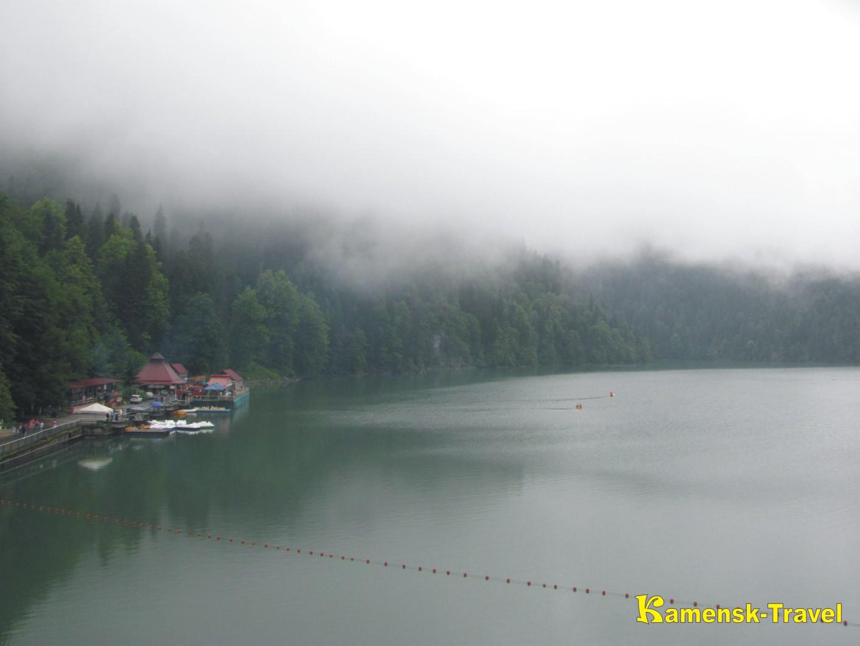 Рица в дождливую погоду, отдых в Абхазии и поездка на Рицу